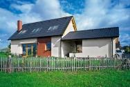 Štíhlý dům se sluneční lázní