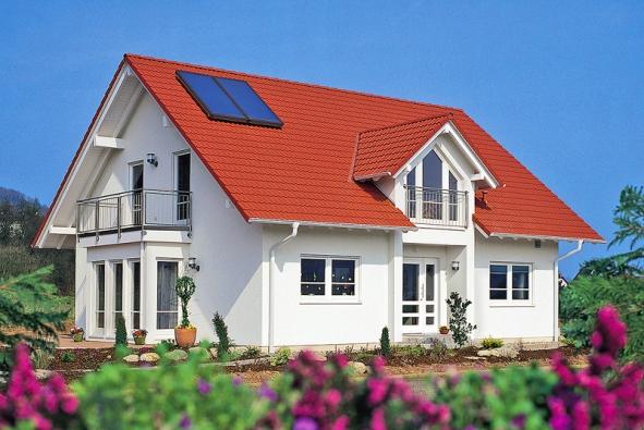 Fototermický panel je skvělý doplněk například kplynovému kondenzačnímu kotli. Mnoho výrobců dnes používá ucelené topné systémy, solární panely zde samozřejmně nechybí (VIESSMANN)