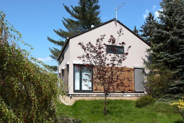 Úsporný, účelný a elegantní dům