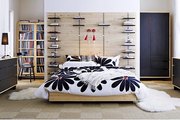 Variabilní sestava nábytku do dětského pokojíku Alaxdomino, postel súložným prostorem pořídíte za 17465Kč (Alax)