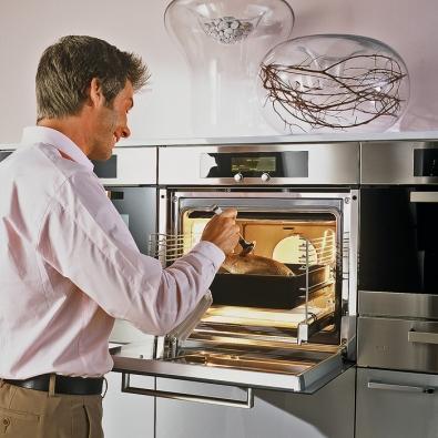 Vestavná multifunkční pečicí trouba Miele – Perfect Clean H4620 sdialogovým ovládáním Navitronic