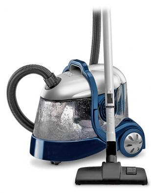 Aqualand WF 1500 E je vybaven vodní filtrací ve spojení sfiltrem HEPA, jenž se postará ioty nejmenší částice prachu (do velikosti 0,3 mikronu), funguje zároveň jako čistič vzduchu, orientační cena 7990Kč (DELONGHI)
