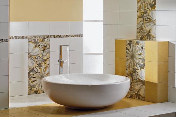 Neopakovatelný aživý dojem stylizované ruční kresby zanechá koupelnová série Botanica díky květinovým vzorům na inzertech orozměru 25 x 45cm nabízených v setu po 4 kusech (Rako)