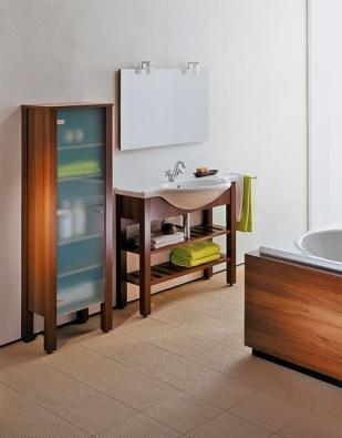 Koupelnová řada Vienna probouzí vzpomínky na kouzelné časy již dávno minulé, které připomíná rafinovaná elegance vídeňského hotelu Ringstrasse (LAUFEN)