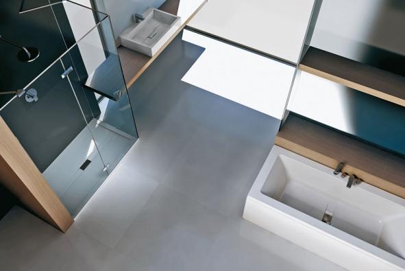 Vana Wilmotte (Teuco), design Jean Michel Wilmotte, orientační cena vany od 21000 do 300000Kč u vany vybavené ultrazvukovou masáží Hydrosonic (TIZZIO)