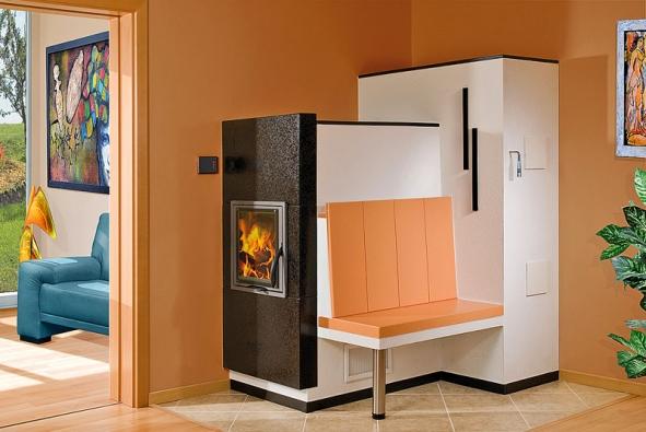Komplexní řešení úsporného aekologického vytápění nabízí firma Romotop. Propojení krbové vložky KV 025N steplovodním výměníkem asolárním systémem Regulus zajišťuje nejlevnější možný způsob vytápění domu azároveň ohřívání teplé užitkové vody pro kuchyni akoupelnu.