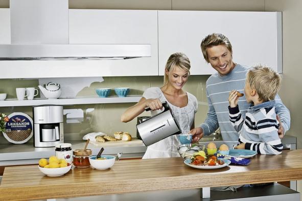 Snídani bychom nemeli vynechat - jednak to není zdravé a pak se také připravíme o okamžik který podle psychologů výrazně posiluje rodinu