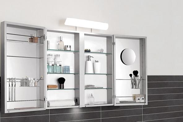 Zrcadlová skříňka Capacity ukrývá spoustu úložného prostoru, cena kdoptání (VILLEROY & BOCH)