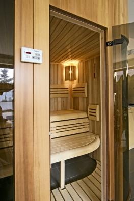 Saunová kabina s programovacím zařízením (SALUS)