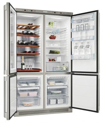 Chladnička, mraznička avinotéka pro 80 lahví Insight ENC 74800 WX, elektronické ovládání, dva kompresory, objem chladničky 265l,  objem mrazničky 2x 81l, mraznička Frost Free,  režim jemného mražení, cena 88980Kč (electrolux).