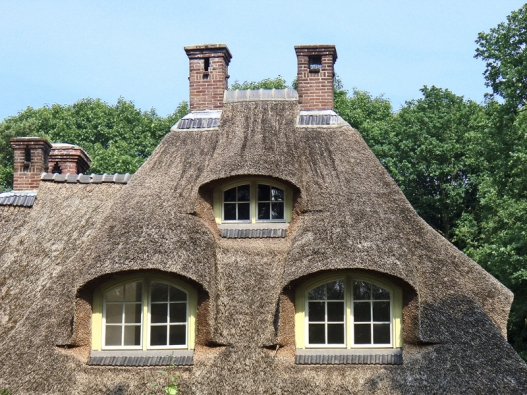 U našich evropských sousedů se s došky na střeše setkáte poměrně často.