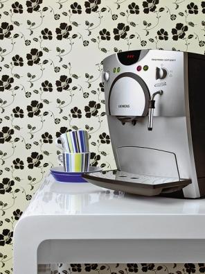 Kávovar TK 54001 je vybaven nastavitelným mlýnkem, tlakem 15 barů, funkcí horká voda anapěnění inahřívací plochou na šálky, cena 16490Kč (SIEMENS).
