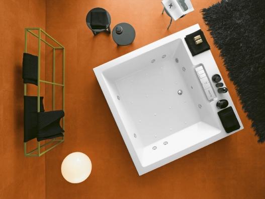 Dopřejte vašemu tělu tolik potřebnou relaxaci. Věrným pomocníkem se vám může stát prostor domácí koupelny skomfortní vanou.