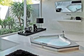 Relaxujte v luxusní vaně