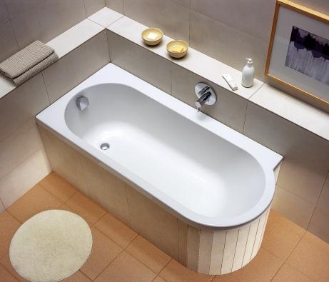 Sérii EGO značky KOLO doplňují vany, které působí uhlazeným, ale vytříbeným dojmem.