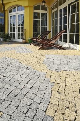 Dlažba Esmero, povrch Metropol, barvy přírodní ažlutá, originální sestava různých nepravidelných kamenů sjemně nerovnými hranami (BEST).