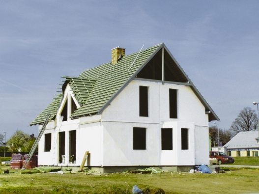 Stavba rodinného domu využívající konstrukční systém Ecobeton Canaba.