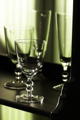 Sklenka na červené víno, na bílé víno a na sekt řady NÄRHET, cena 49 Kč (IKEA).