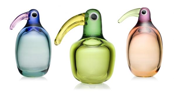 Sklenění ptáci (Iittala, Finsko), design Anu Penttinen, ručně foukané sklo, 9795 až 10095Kč sDPH/ks (DESIGNOR).