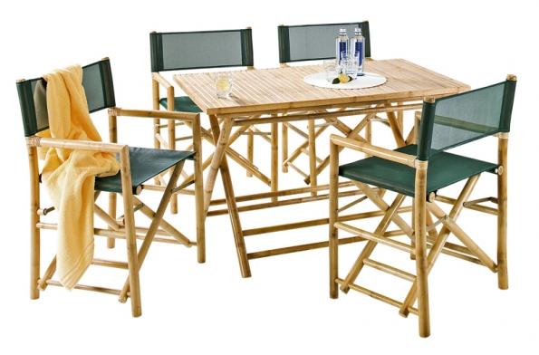 Nábytek Bamboo sbambusovou kostrou atextilním potahem. Cena křesla 1290Kč, sklápěcího stolu (deska 70 x 120cm) 2690Kč (KIKA).