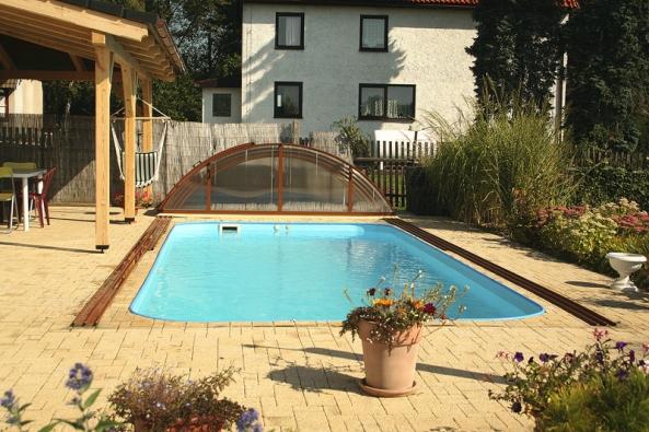 Klasický bazén je vhodné řešení do menšího prostoru nebo pro ty, kteří upřednostňují sterilně čistou vodu.