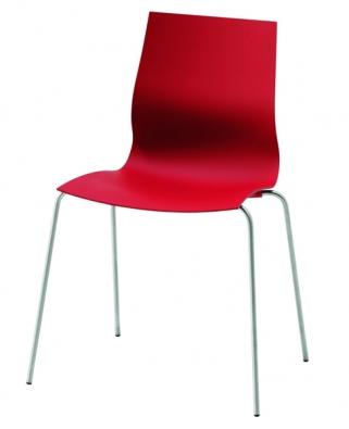 Židle One, kombinace hebkého povrchu abroušené ocele (také včerné ašedé barvě), cena 7830Kč (BOCONCEPT).