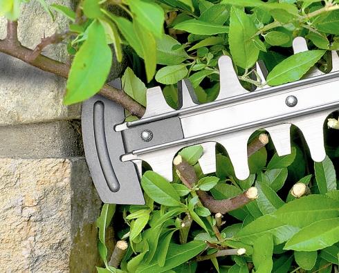 Chránič na konci lišty zabraňuje najetí nožů na zdi, plot nebo do země.