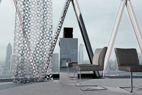 Textilie Angle zkolekce Showroom (Jab Anstoetz), šířka 130cm, cena 7817 Kč (OPTIMAL INTERIOR DESIGN).
