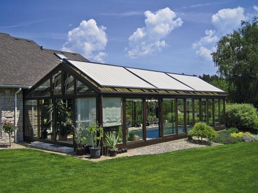 Složitost konstrukce zimních zahrad spočívá vtom, že je tvoří velké prosklené plochy.