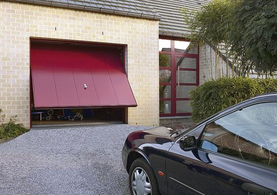 Vrata avedlejší dveře obdržíte napřání v15barevných odstínech abarvách podle vzorů škály RAL (HÖRMANN).