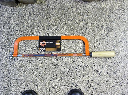 Ruční rámová pilka Bahco sřezným plátkem Sandflex.
