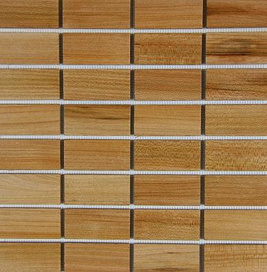 Dřevěná mozaika, jilm, formáty 3 x 3 cm,  3 x 7cm, tlouštka 4 mm, cena 4 450 Kč/1 m2 bez DPH (FORTEL DESIGN, www.mozaiky.eu).
