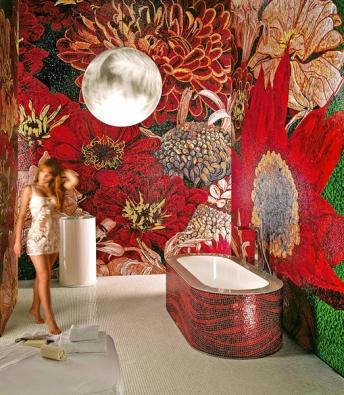 Skleněná umělecká mozaika (Sicis), neobvykle velký květinový obrazec, cena nestanovena (FANTASTICONI, www.fantasticoni.cz).