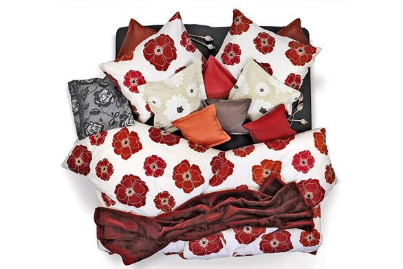 Saténové povlečení Vlčí mák, 100% bavlna, 70x90cm a140 x 200cm, cena 1590Kč (SCAN QUILT).