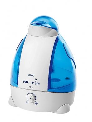 Zvlhčovač Mr. PIN H 200G2 od firmy Solac, otáčivá hlavice pro přesnější nasměrování vlhkosti,  napětí 230 V, příkon  45 W, objem nádrže 3,5l, samostatný provoz 13 h, doporučená cena 1499Kč (SOLAC).