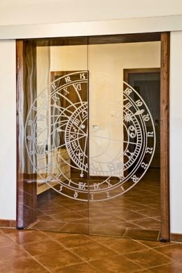 Posuvné dvoukřídlé dveře Stylus satypickým dekorem Orloj, sklo čirý float (VV SKLO).