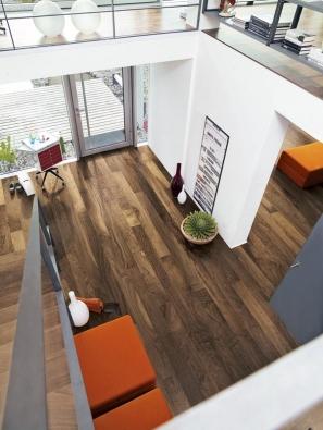 Co by byl krásný amoderní interiér bez přítomnosti jedné znejoblíbenějších anejkrásnějších podlahových krytin – dřevěných parket? (SORTIM).