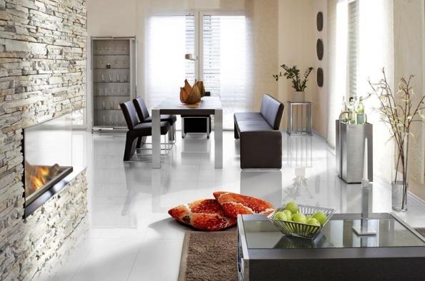 Itak může vypadat laminátová podlaha. Díky speciální technologii ošetření pomocí elektronového paprsku jsou povrchy podlah Witex Color obzvláště odolné proti poškrábání, ato navzdory svému lesku (KPP).