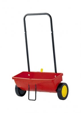 Aplikační sypací vozík je vhodný na celou řadu činností, nejdůležitější je hnojení avýsev. WE 330, záběr 41cm, cena 803Kč (WOLF-GARTEN).