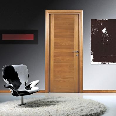 Dveře Shané (Barausse), fólie vbarvě třešňový ořech, hladké křídlo, cena 13850Kč (ANTREA).