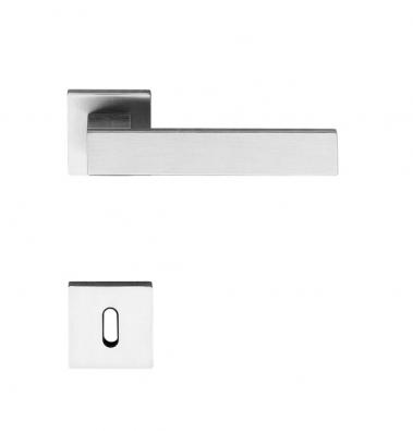 Designová klika Diana (Olivari), materiál mosaz, povrch leštěný nebo matný biochrom, cena od 5387Kč (KLESPOL).
