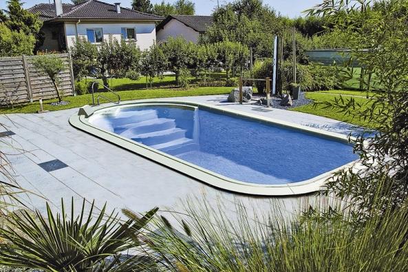 Zahradní sprcha pomůže udržet čistotu vody (WATERAIR).