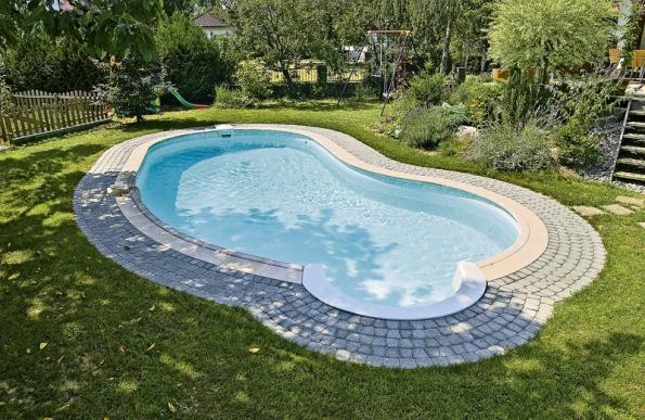 Křišťálově čistá voda vbazéně není samozřejmostí (WATERAIR).