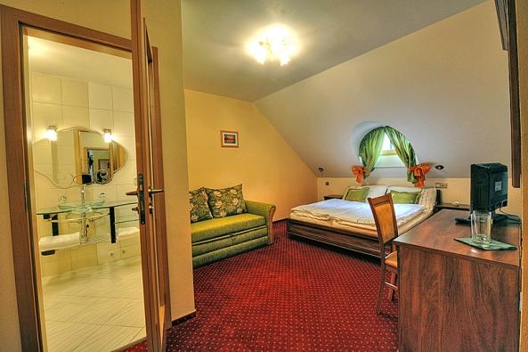 Vromantické ložnici se můžete připojit na internet.