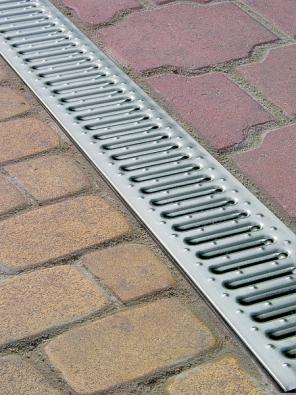 Nejjednodušším zařízením pro odvádění vody je liniový systém.