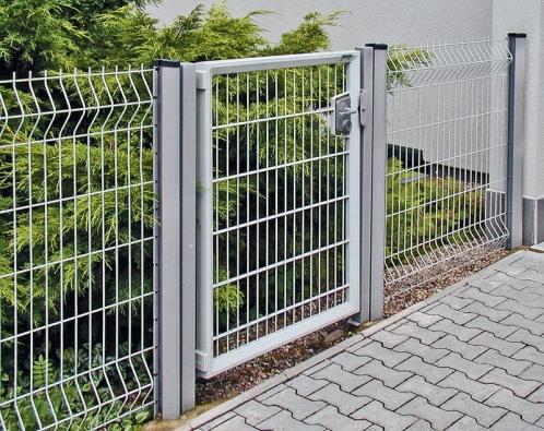 Ukázka jednokřídlé branky plotového systému zpozinkovaného pletiva (DIRICKX).