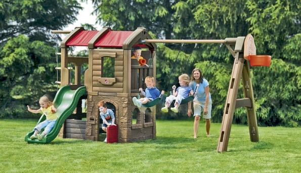 Zábavné centrum Adventure Lodge – velké hřiště Step2 zabaví děti na několik let (STEP2).
