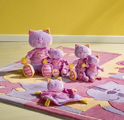 Plyšoví kamarádi tvoří společnostnábytku Sauthon SWEET COMPANY Pink.