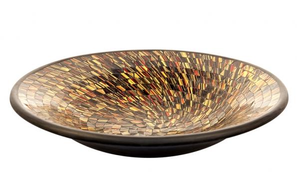 Velká terakotová mísa vykládaná ručně barvenou ařezanou skleněnou mozaikou, cena 680Kč (IN ART).