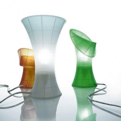 Birzí ze silikonu, lze různě tvarovat, cena od 1870Kč, vyrábí Luceplan, Itálie  (A.M.O.S. DESIGN).
